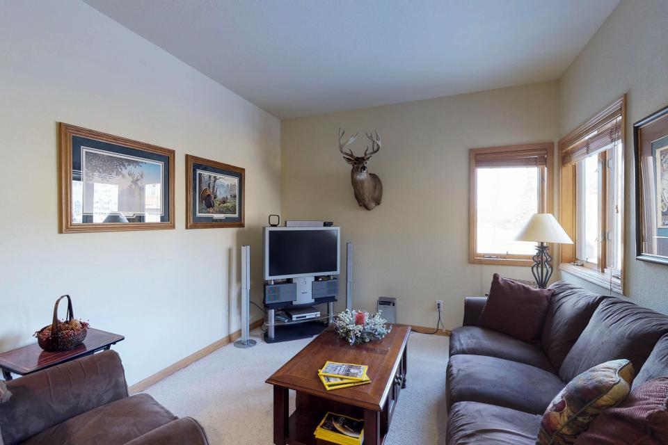 Elk Manor - Silverthorne Vacation Rental - Photo 5