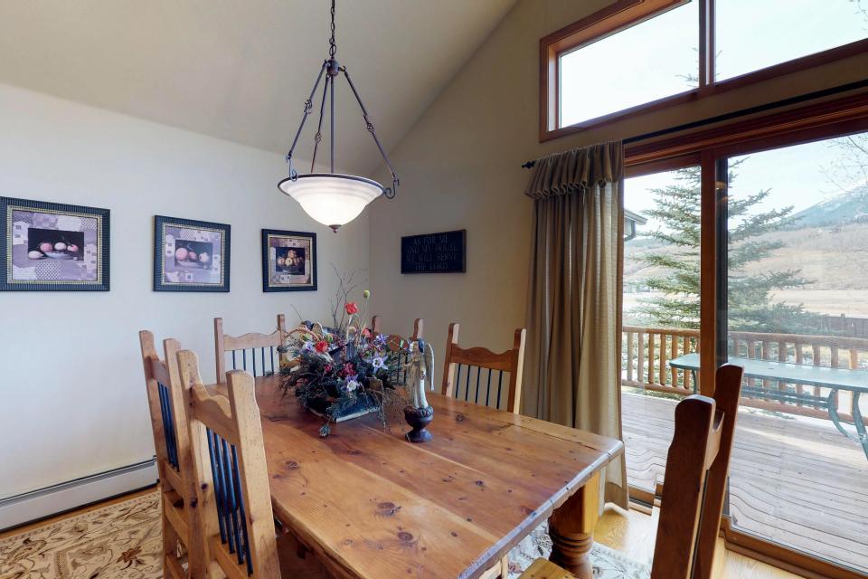 Elk Manor - Silverthorne Vacation Rental - Photo 2