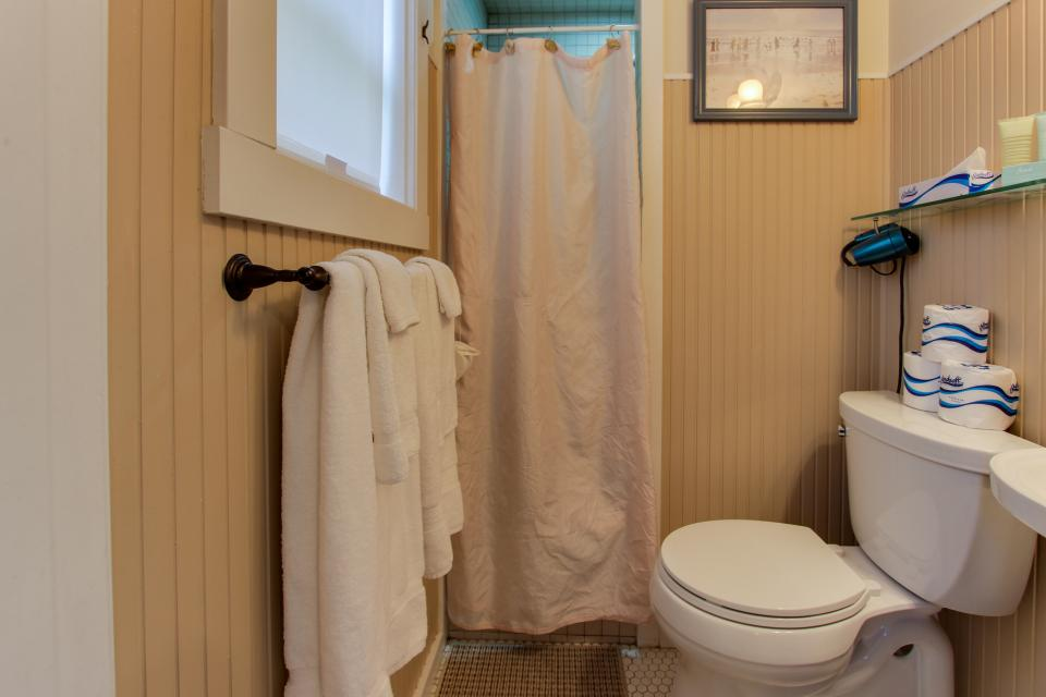 Hidden Villa Cottages #1, #2, and #3 - Cannon Beach Vacation Rental - Photo 23