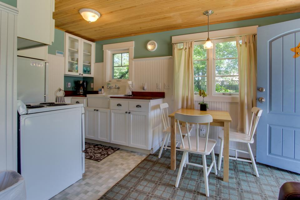 Hidden Villa Cottages #1, #2, and #3 - Cannon Beach Vacation Rental - Photo 9