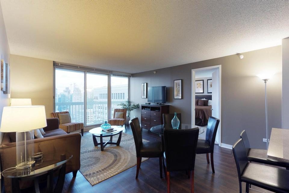 Fashionable on the 42nd Floor - Chicago Vacation Rental - Photo 30
