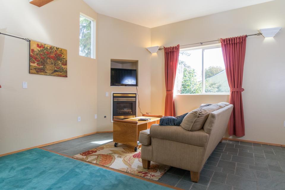 Summer House Lower Level - Seaside Vacation Rental - Photo 17