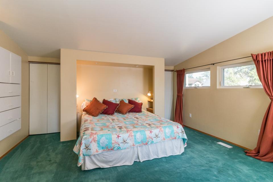 Summer House Lower Level - Seaside Vacation Rental - Photo 16