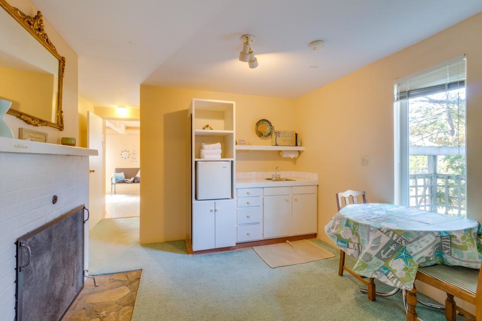 Summer House Lower Level - Seaside Vacation Rental - Photo 23