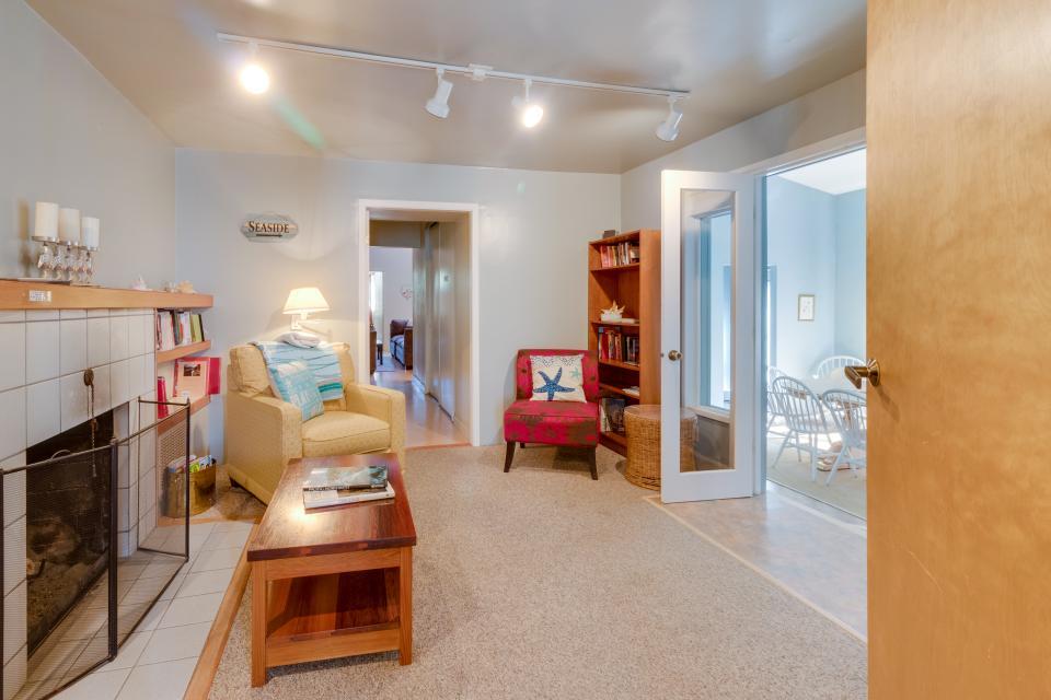 Summer House Lower Level - Seaside Vacation Rental - Photo 14
