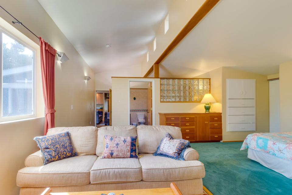 Summer House Lower Level - Seaside Vacation Rental - Photo 19