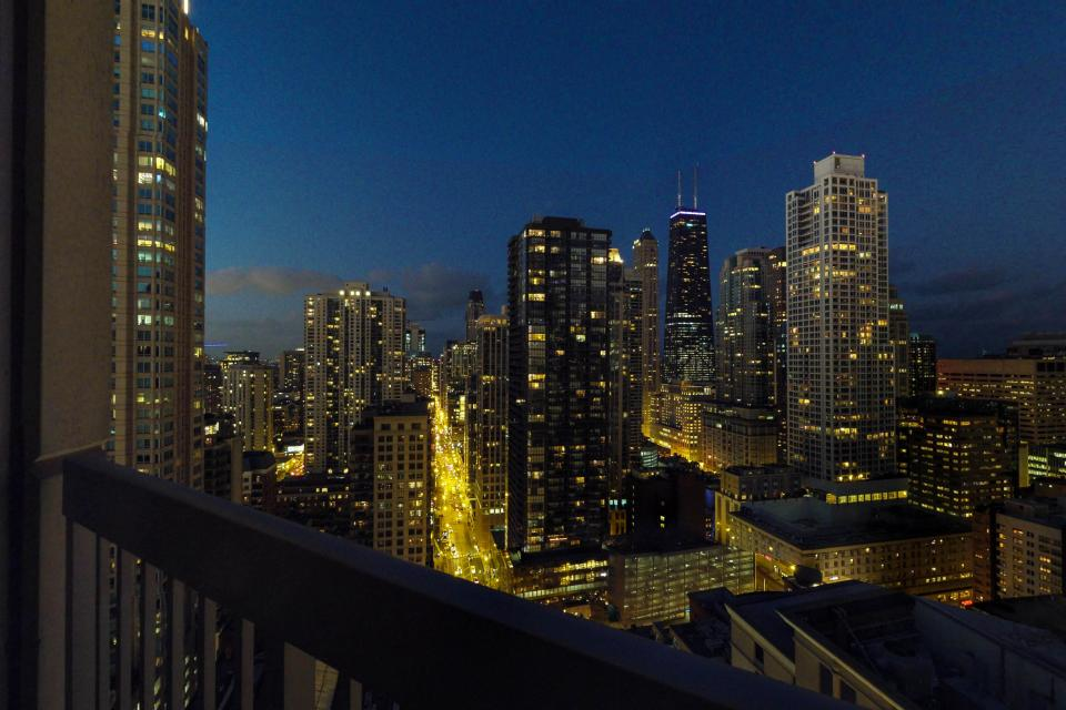 Second City Comfort - Chicago Vacation Rental - Photo 25