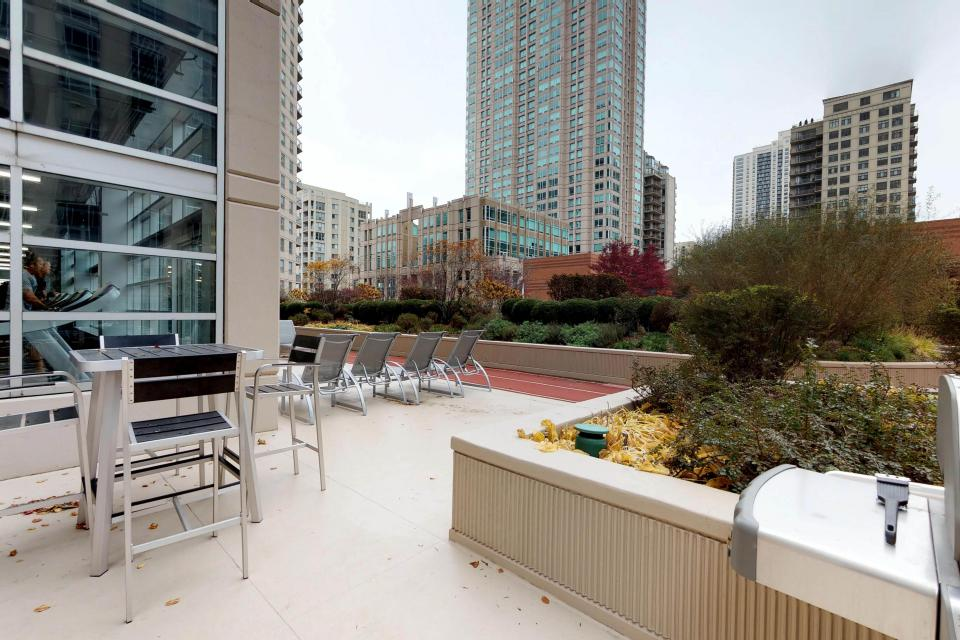 Second City Comfort - Chicago Vacation Rental - Photo 47
