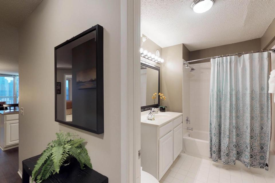Down on State Street - Chicago Vacation Rental - Photo 26