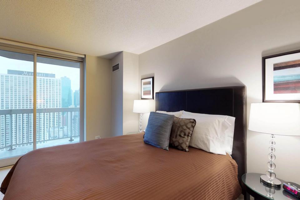 Down on State Street - Chicago Vacation Rental - Photo 23