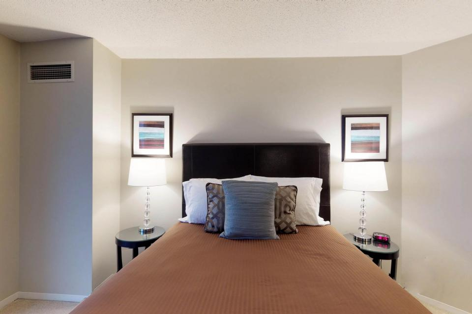 Down on State Street - Chicago Vacation Rental - Photo 24