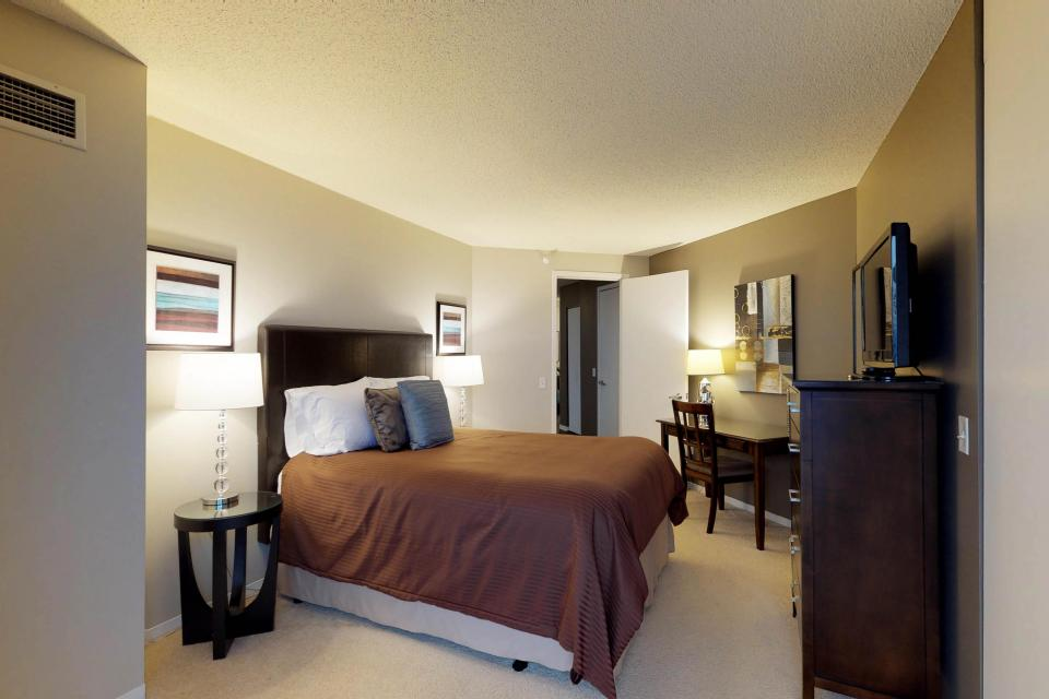 Down on State Street - Chicago Vacation Rental - Photo 11