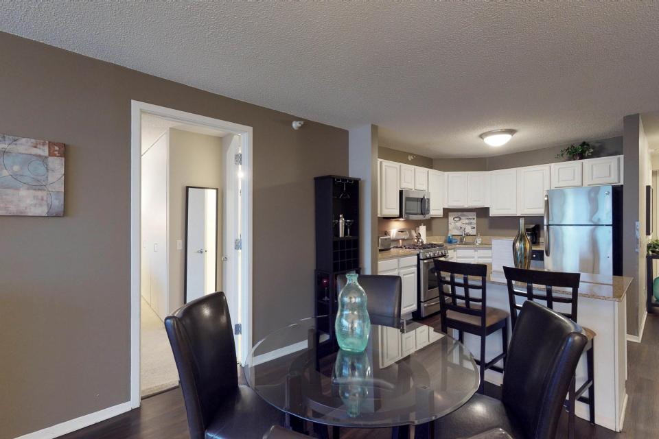 Down on State Street - Chicago Vacation Rental - Photo 18