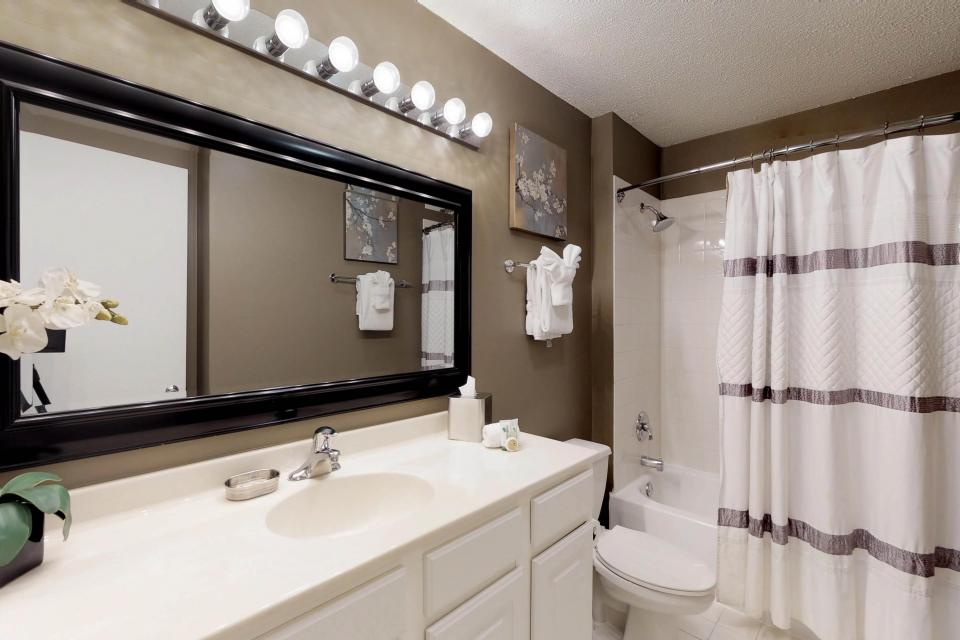 Down on State Street - Chicago Vacation Rental - Photo 9