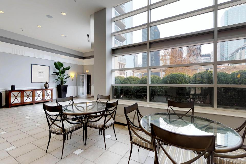 Down on State Street - Chicago Vacation Rental - Photo 50