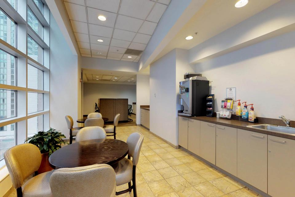 Down on State Street - Chicago Vacation Rental - Photo 49