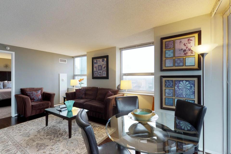 Second City Comfort - Chicago Vacation Rental - Photo 20