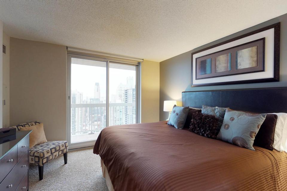 Second City Comfort - Chicago Vacation Rental - Photo 8