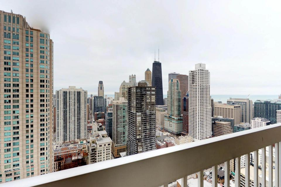 Second City Comfort - Chicago Vacation Rental - Photo 15