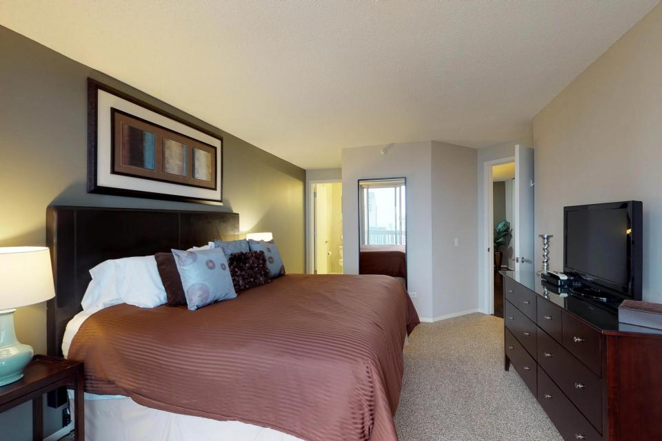 Second City Comfort - Chicago Vacation Rental - Photo 11