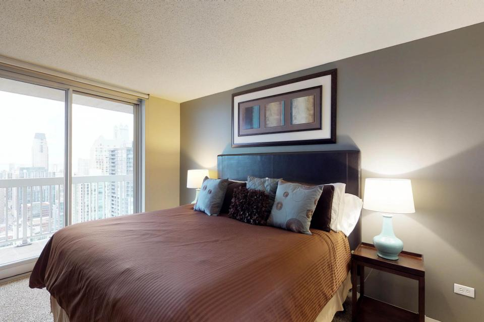 Second City Comfort - Chicago Vacation Rental - Photo 12