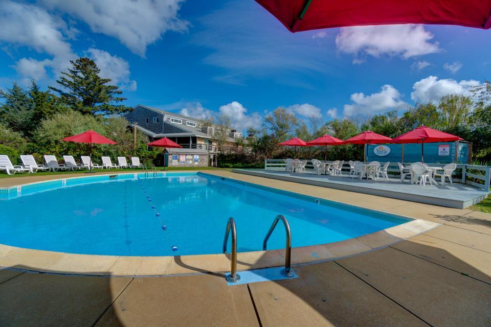 Island Inn - 46G - Oak Bluffs Vacation Rental - Photo 34