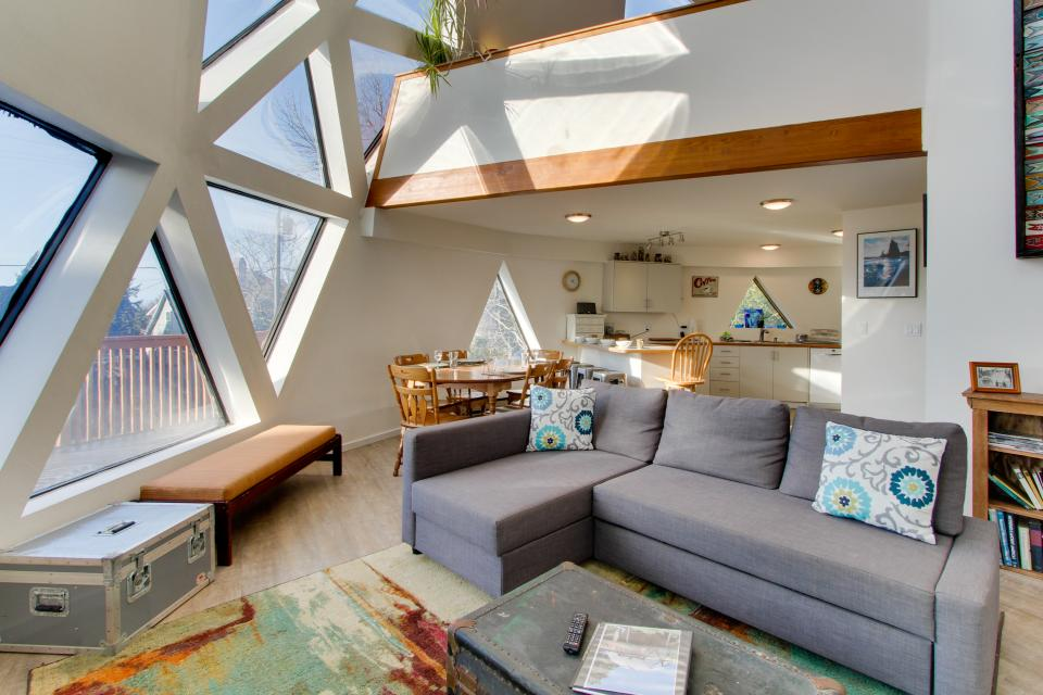 Surf Dome at Otter Rock - Otter Rock Vacation Rental - Photo 6