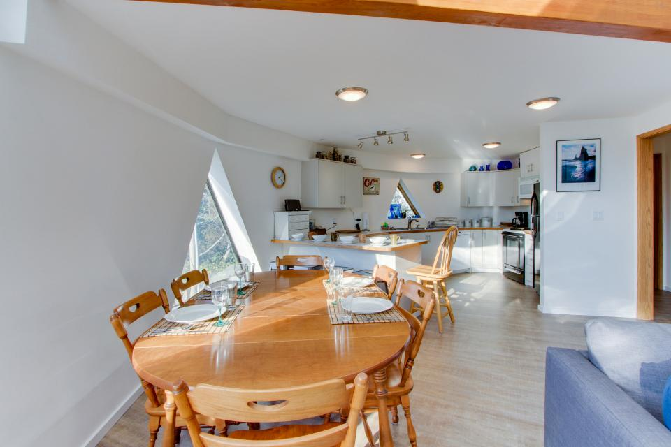 Surf Dome at Otter Rock - Otter Rock Vacation Rental - Photo 9