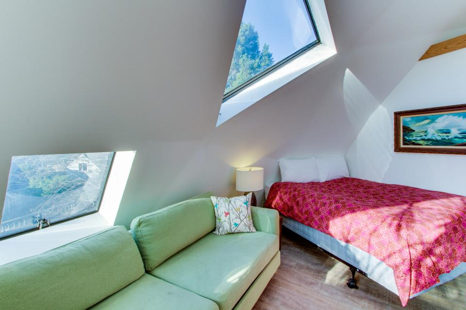 Surf Dome at Otter Rock - Otter Rock Vacation Rental - Photo 4