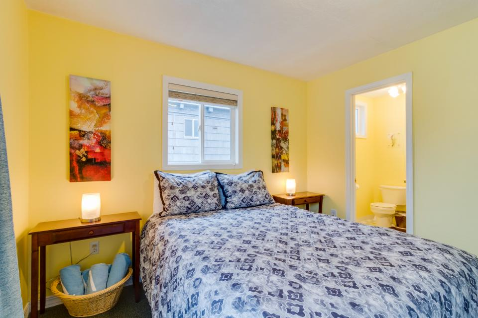 The Pearl (Main house only) - Seaside Vacation Rental - Photo 15