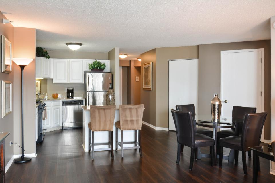 Down on State Street - Chicago Vacation Rental - Photo 4