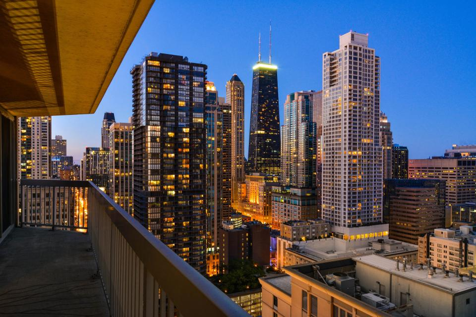 Down on State Street - Chicago Vacation Rental - Photo 27