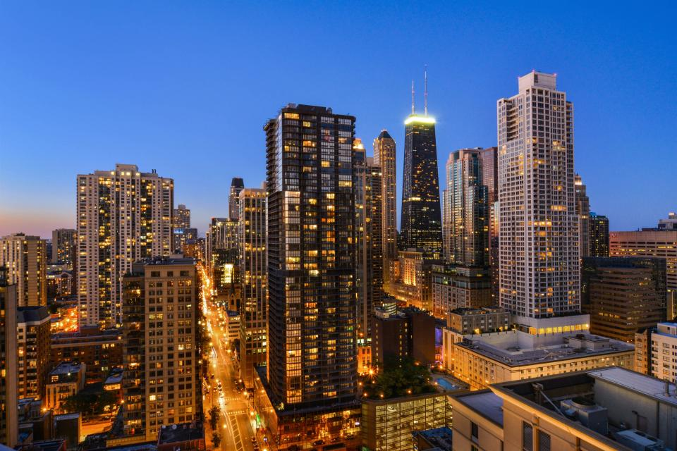 Down on State Street - Chicago Vacation Rental - Photo 15