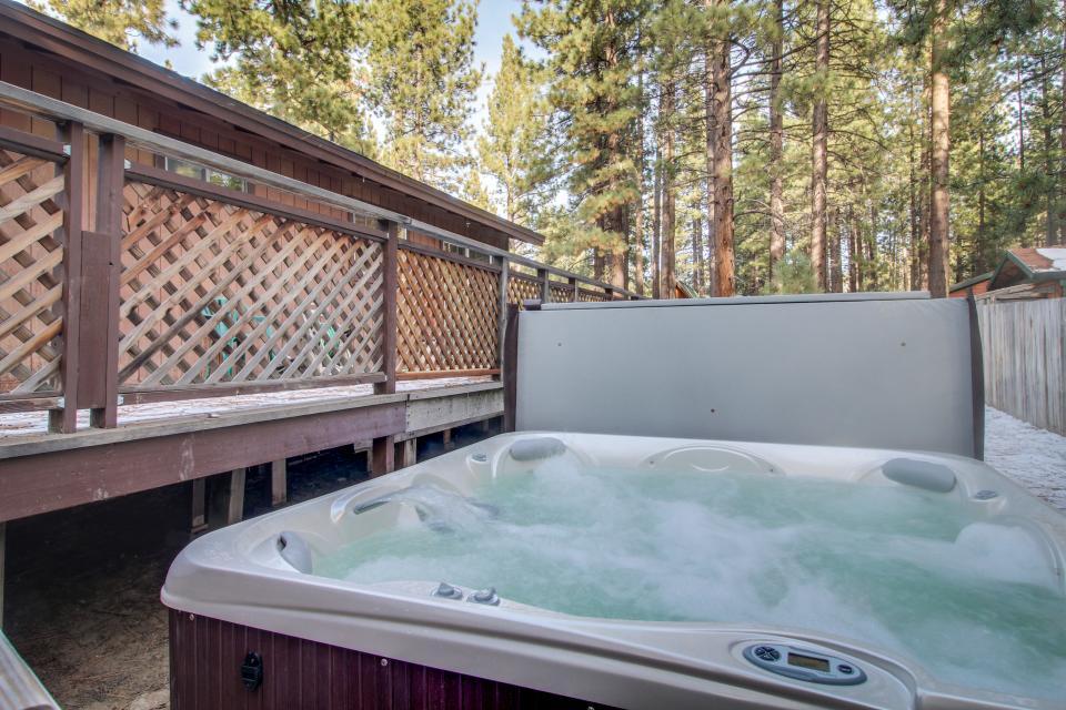 Tamarack Mountain Home - South Lake Tahoe Vacation Rental - Photo 3