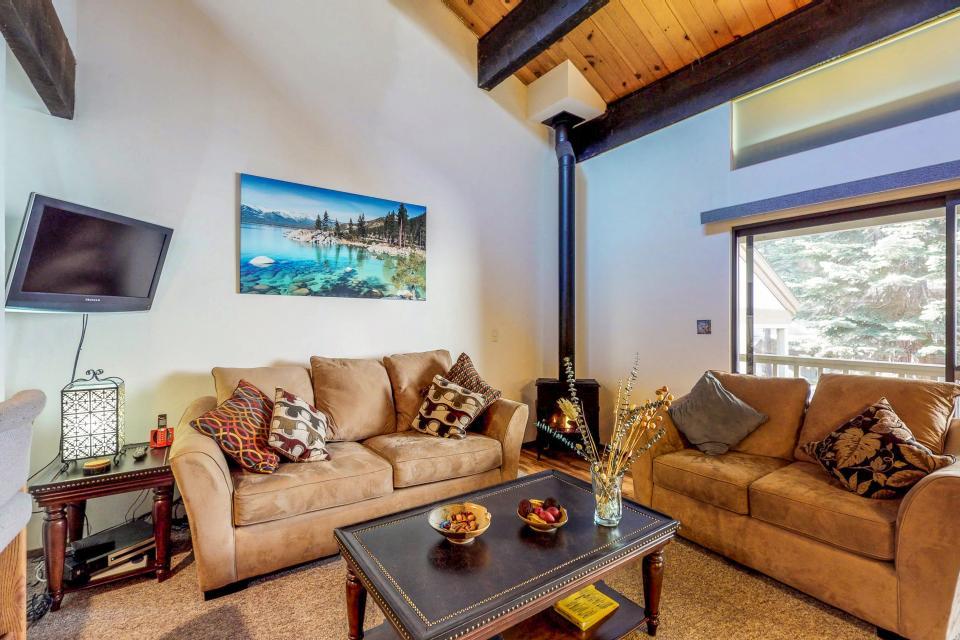 Kings Beach Retreat-Kingswood Village #140 - Kings Beach Vacation Rental - Photo 9