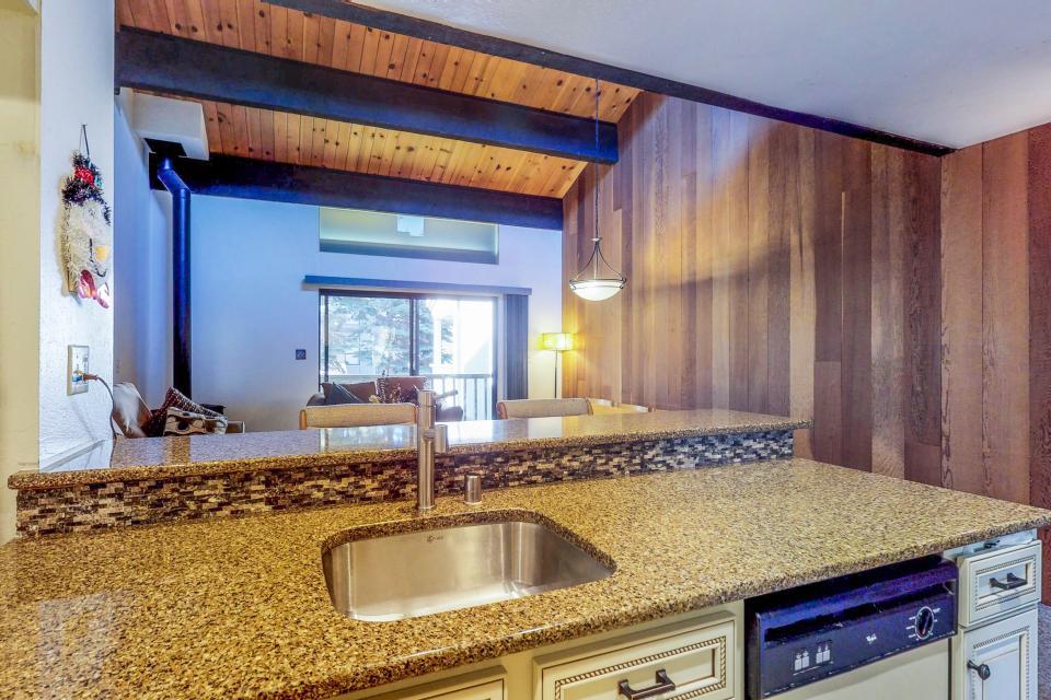 Kings Beach Retreat-Kingswood Village #140 - Kings Beach Vacation Rental - Photo 14