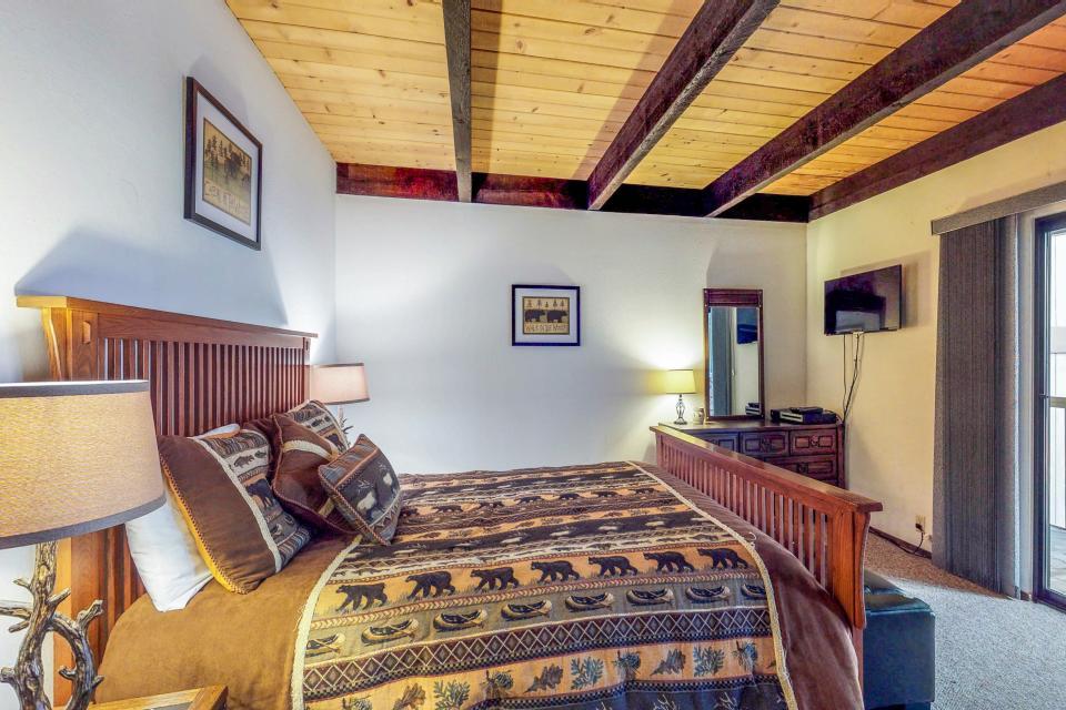 Kings Beach Retreat-Kingswood Village #140 - Kings Beach Vacation Rental - Photo 16