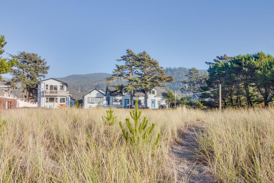 Ocean Rogue Inn Unit 5 - Rockaway Beach - Take a Virtual Tour