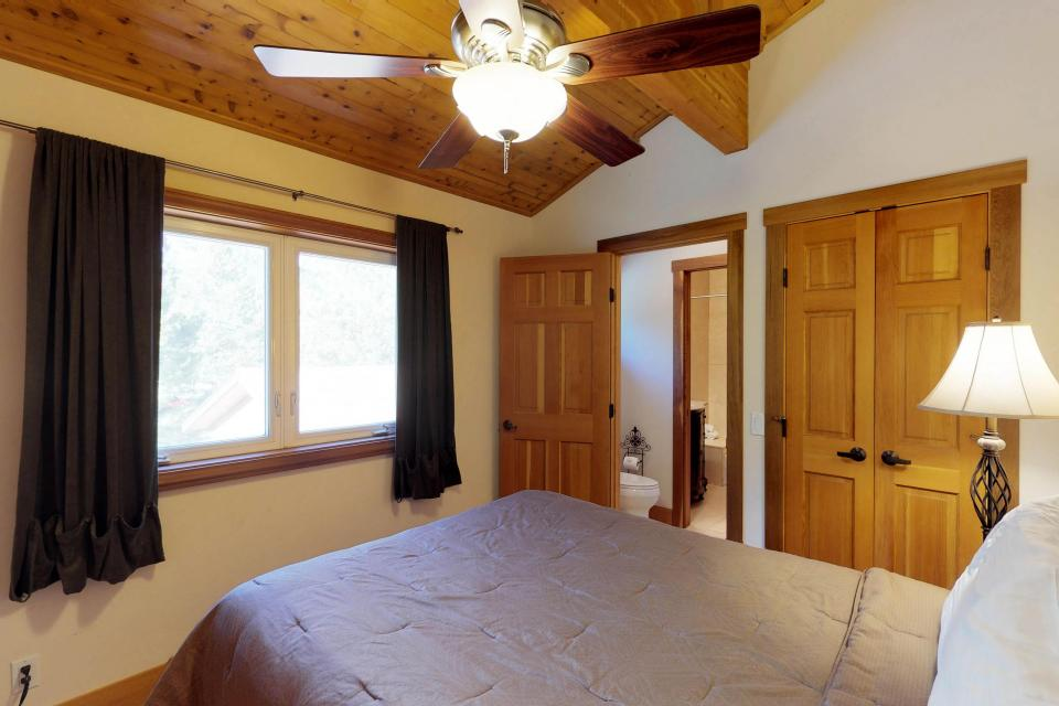 Silver Meadow House - June Lake Vacation Rental - Photo 18