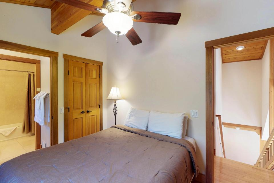 Silver Meadow House - June Lake Vacation Rental - Photo 16