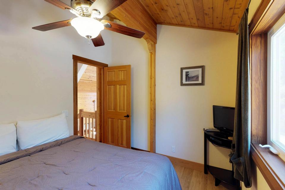 Silver Meadow House - June Lake Vacation Rental - Photo 17