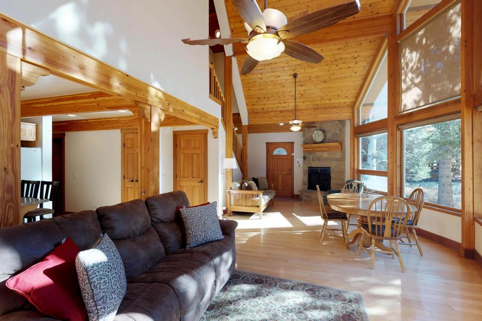 Silver Meadow House - June Lake Vacation Rental - Photo 2