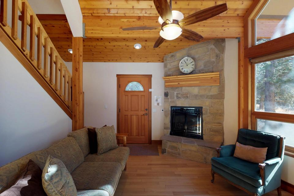 Silver Meadow House - June Lake Vacation Rental - Photo 12