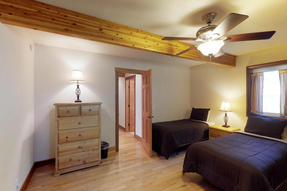 Silver Meadow House - June Lake Vacation Rental - Photo 24