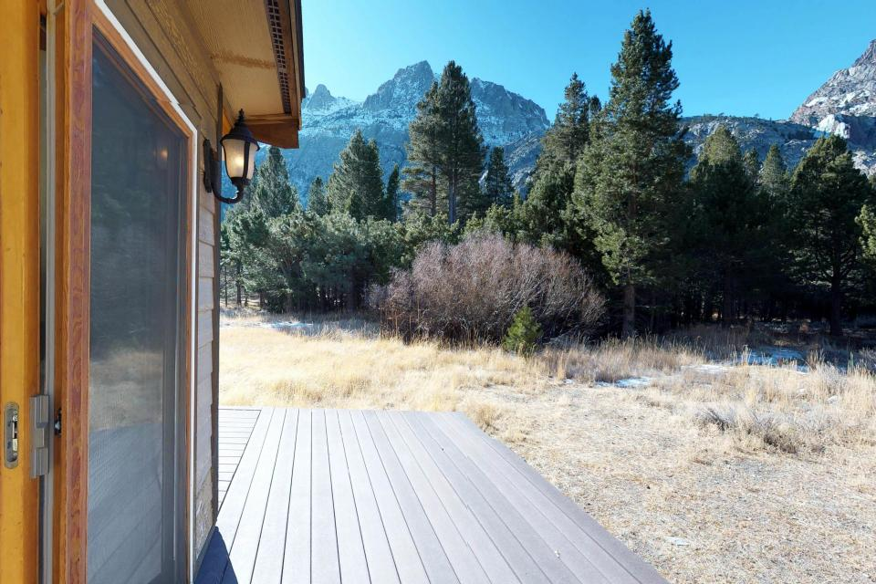 Silver Meadow House - June Lake Vacation Rental - Photo 13