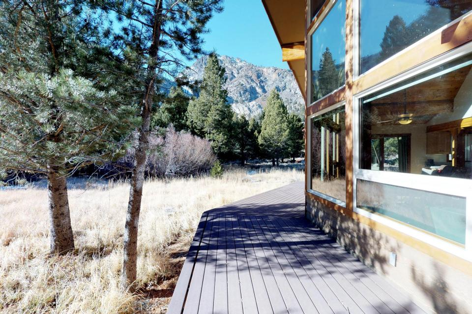 Silver Meadow House - June Lake Vacation Rental - Photo 15