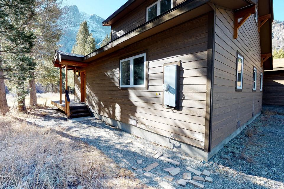 Silver Meadow House - June Lake Vacation Rental - Photo 19