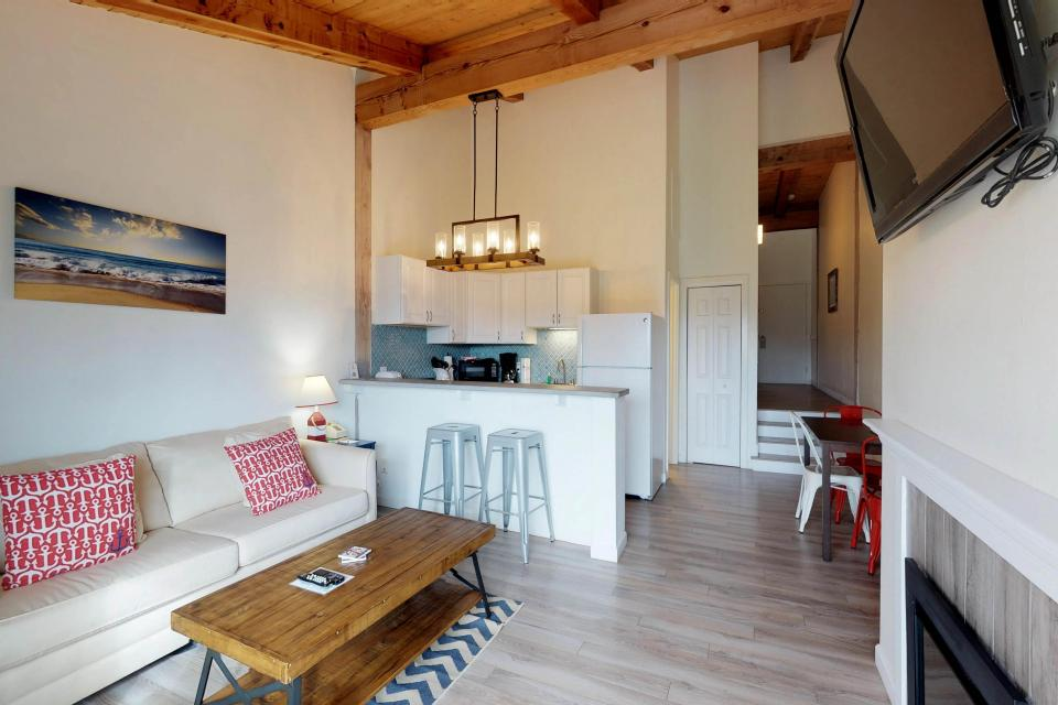 Island Inn - 46G - Oak Bluffs Vacation Rental - Photo 7