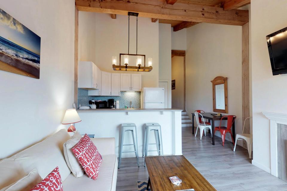 Island Inn - 46G - Oak Bluffs Vacation Rental - Photo 4