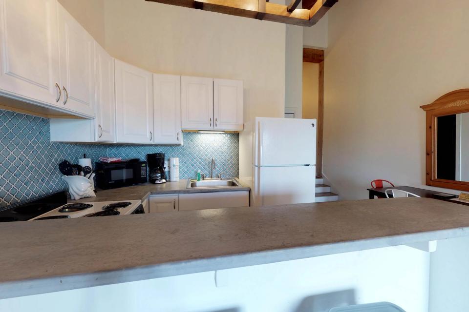 Island Inn - 46G - Oak Bluffs Vacation Rental - Photo 6